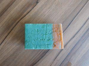 L'étampe sur le savon Bermudes, un peu trop mou